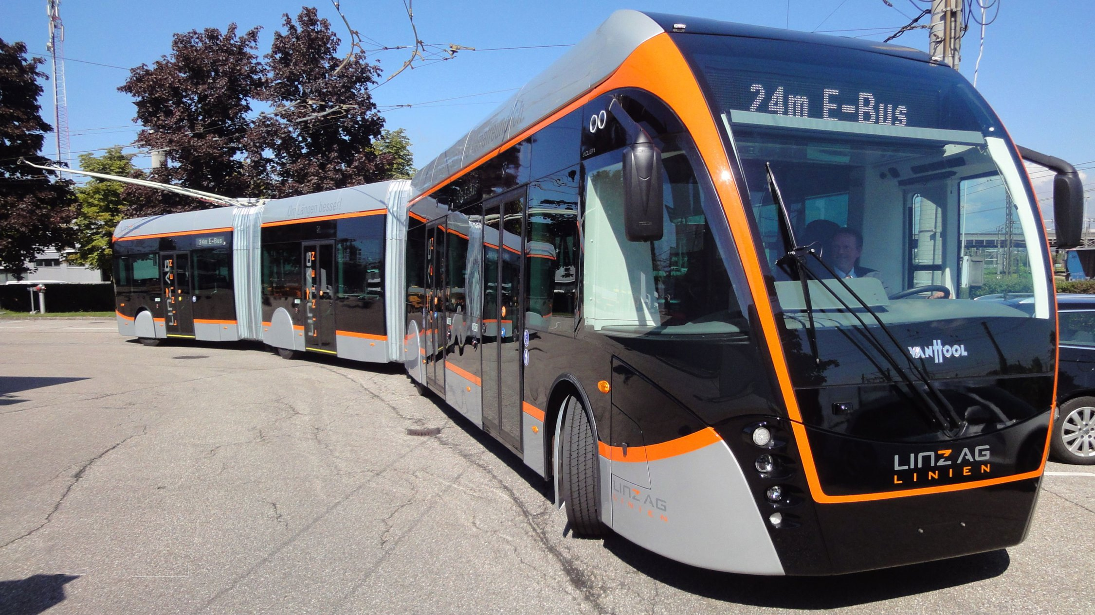24-metre double articulated Equi City electric bus with In-Motion Charging
