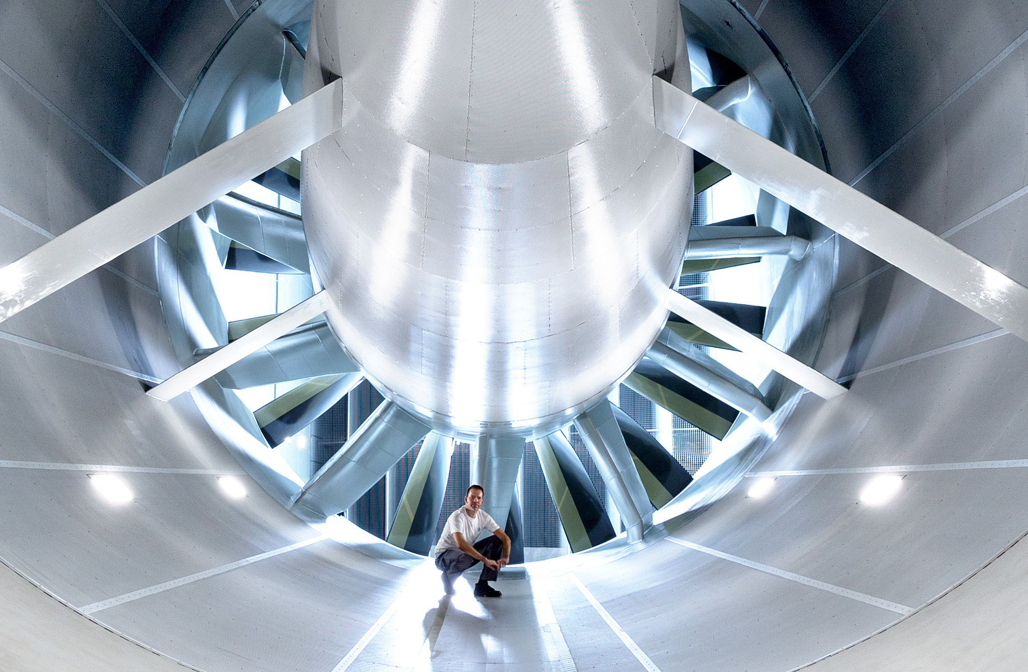 8 meter diameter wind tunnel efficiency centre at Volkswagen