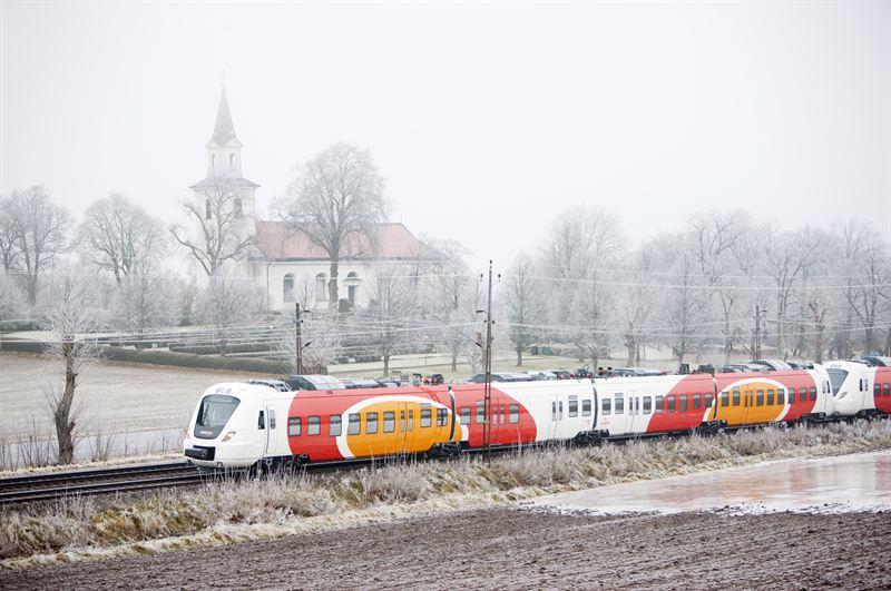 Alstom 4-car Coradia Nordic regional EMU operated by Swedish Östgötatrafiken railway company