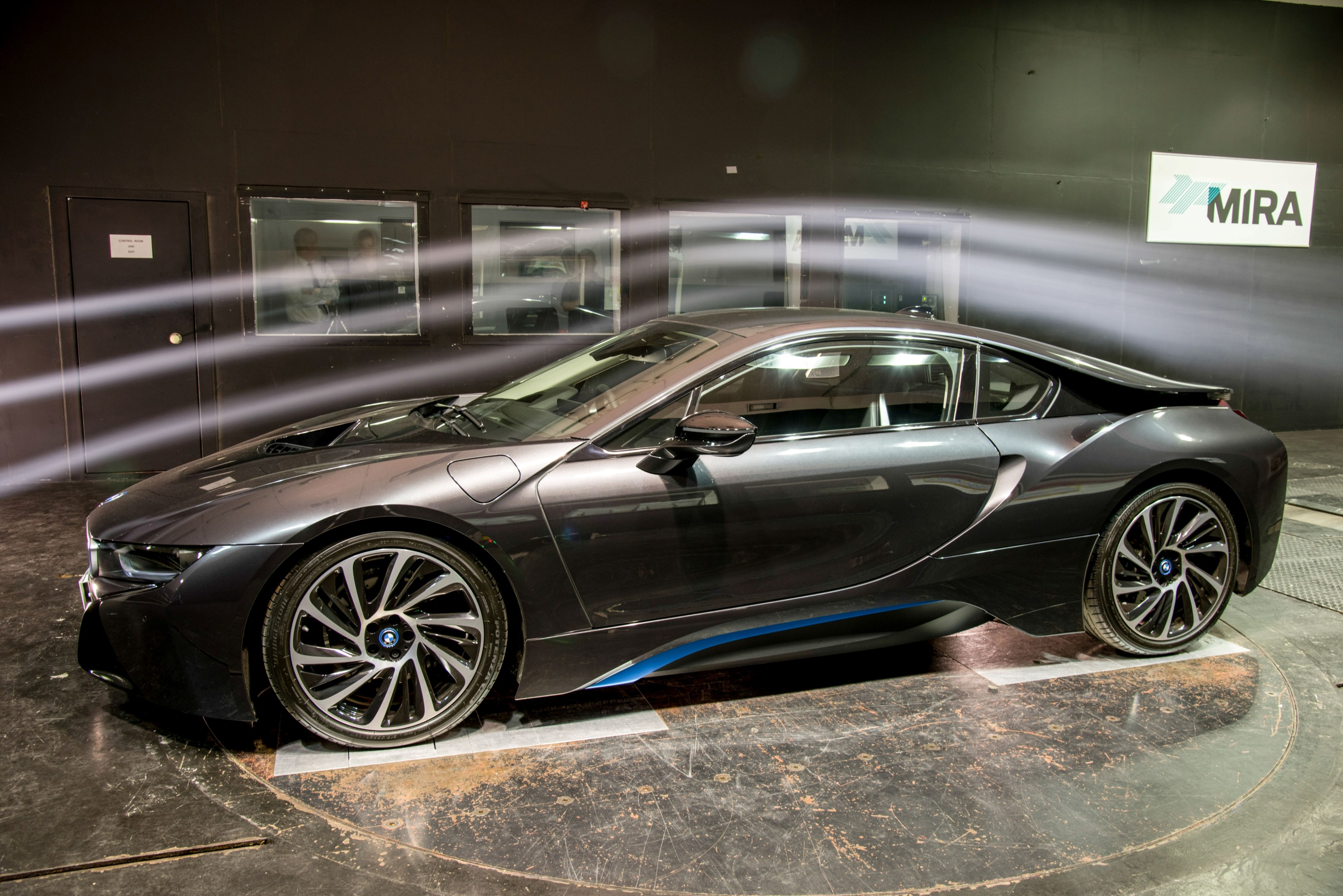 BMW i8 in wind tunnel