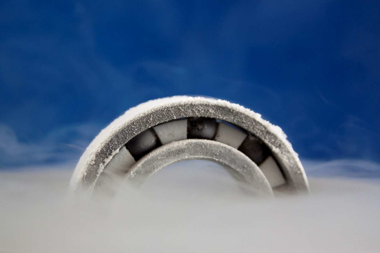 Ceramic bearings for cryogenic applications