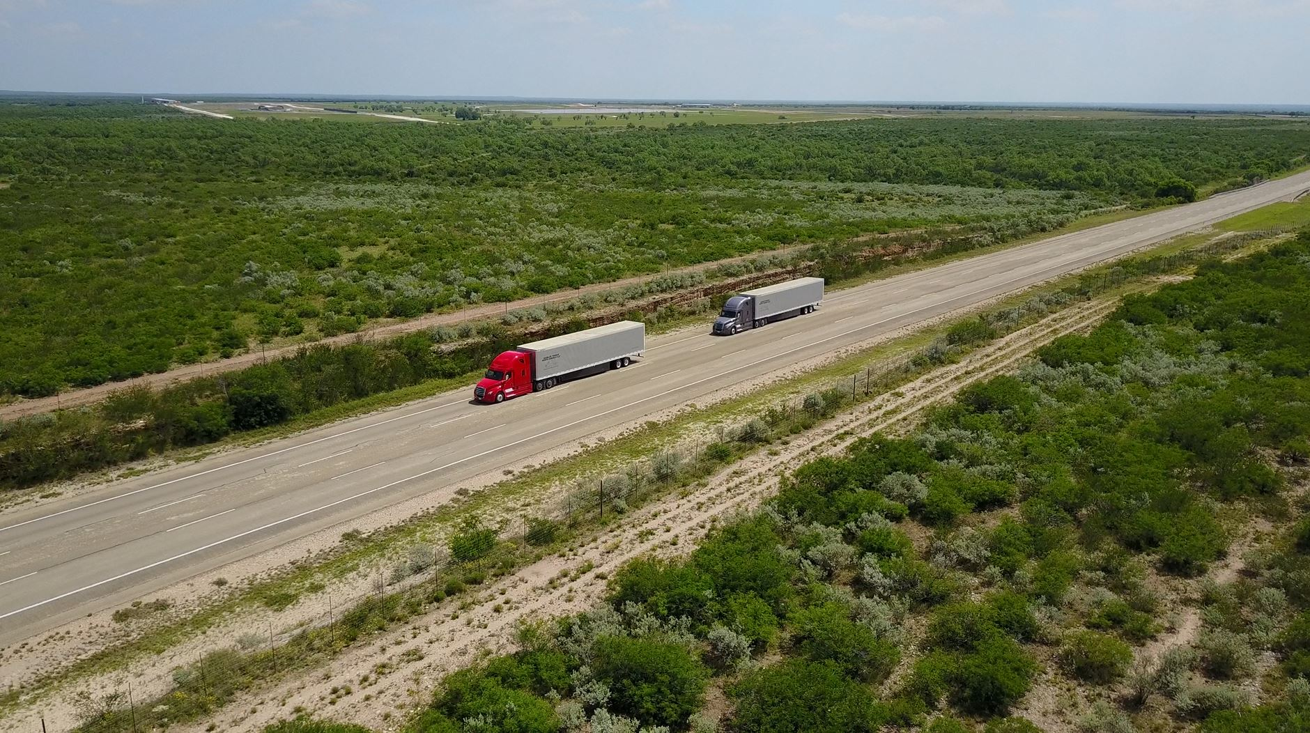 Daimler tests truck platooning in the USA