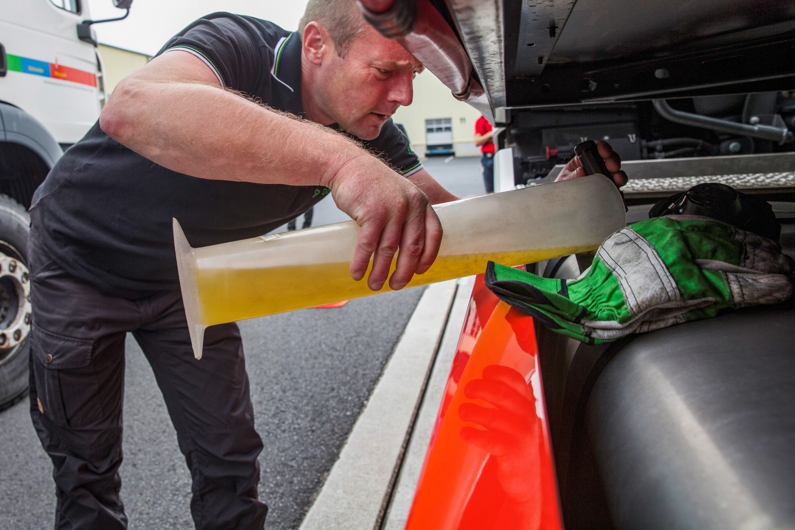 Fuelling Mercedes lorry for Efficiency Run