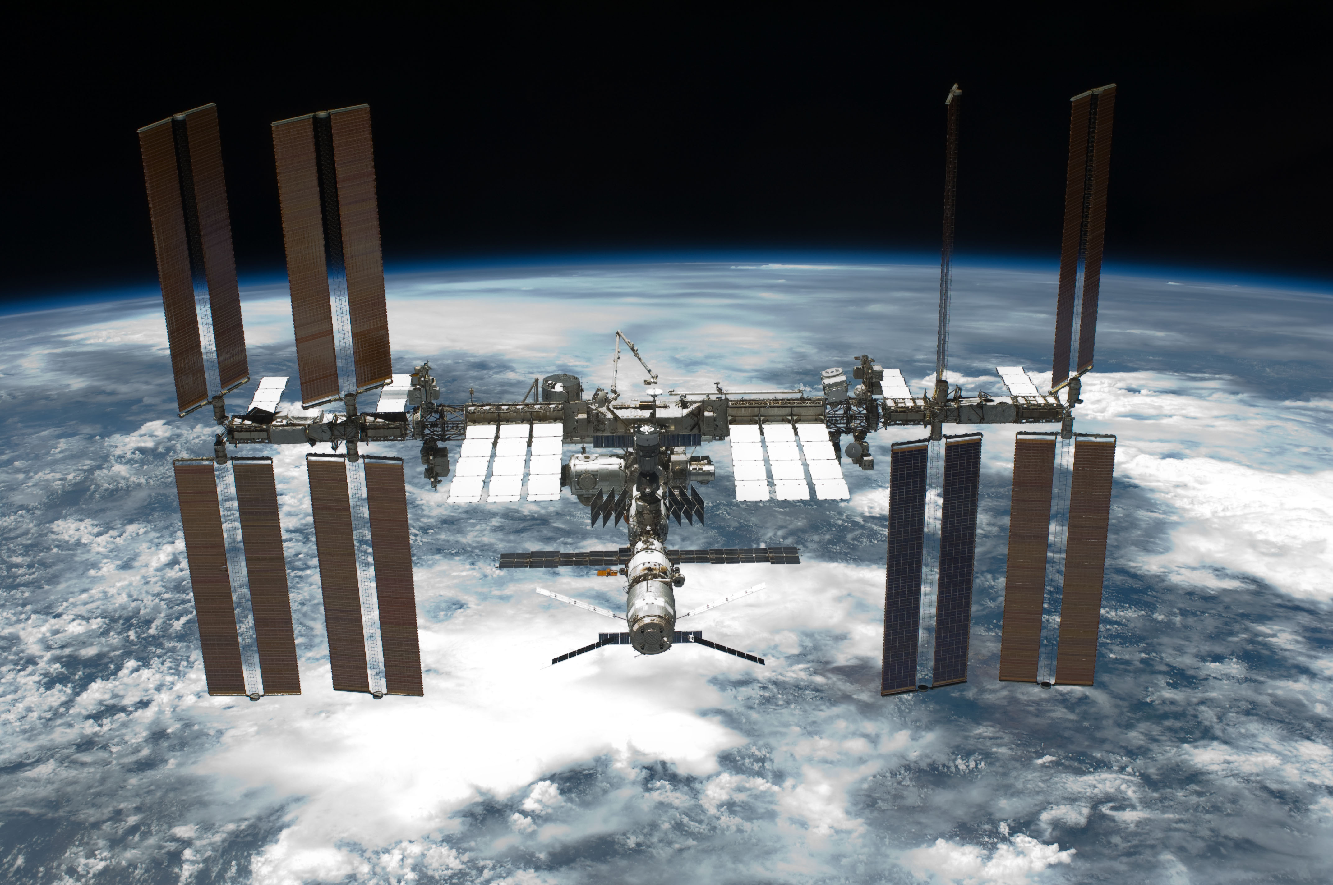 ISS and the world's biggest air gap