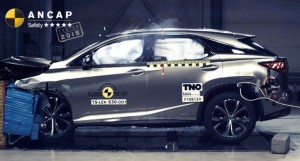 Lexus RX frontal crash test