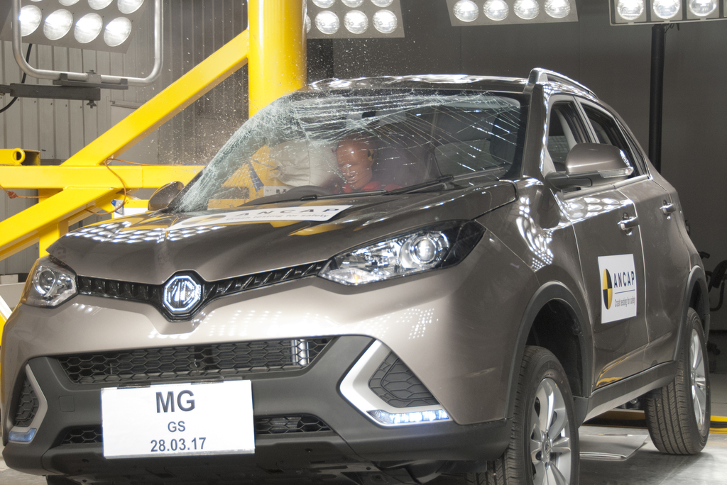 MG GS undergoes ANCAP pole test at 29kmh