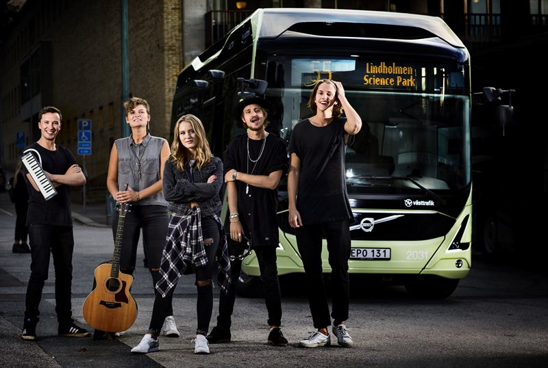 Musical performers take to Gothenberg electric buses
