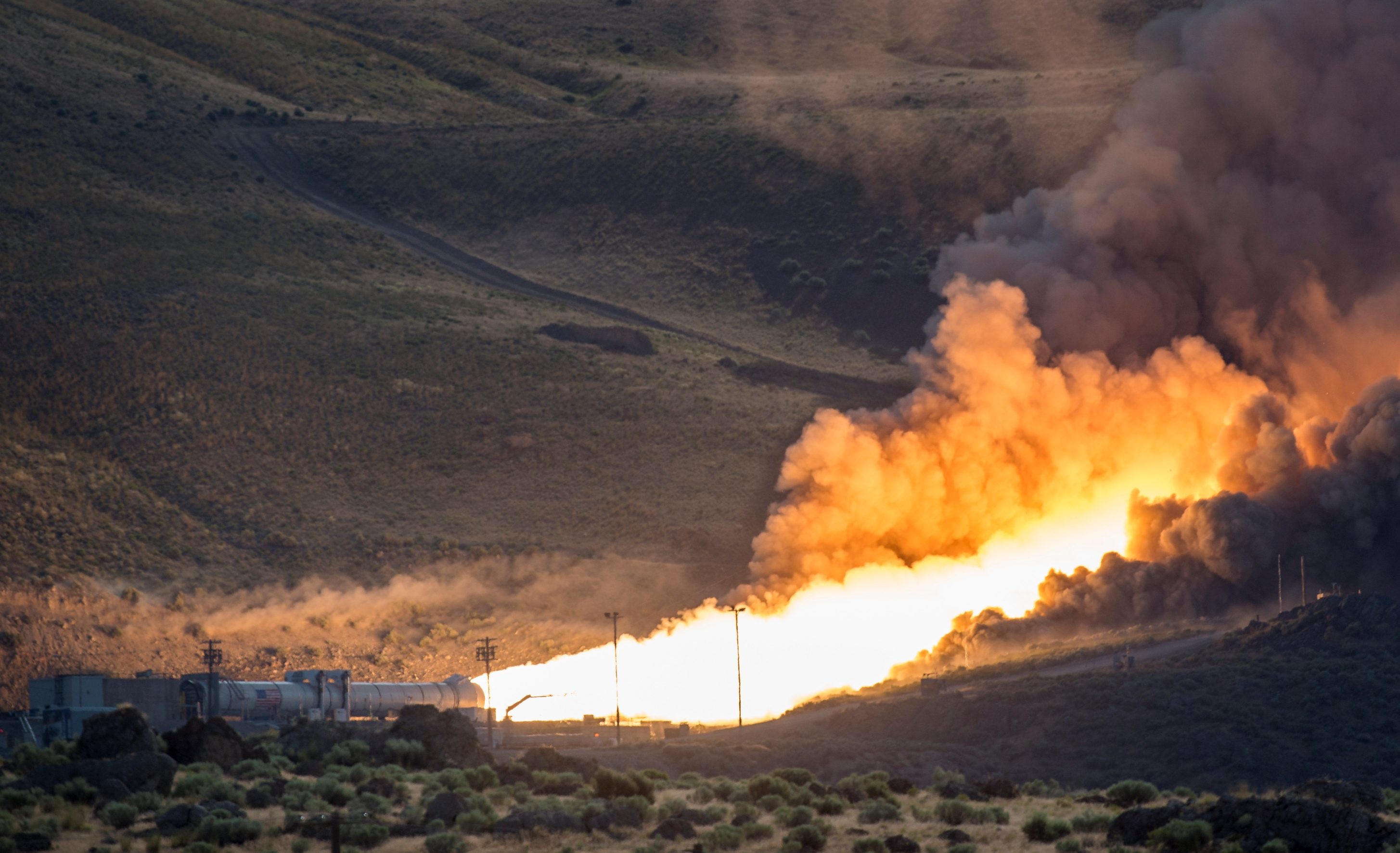QM-2 test of NASA SLS solid rocket booster in Promontory, Utah