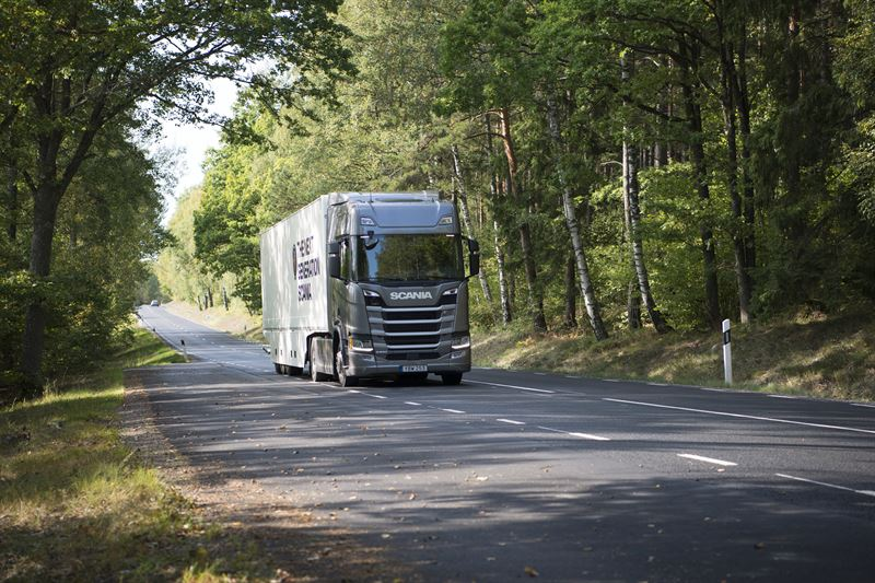 Scania R500 truck wins green award for low emissions