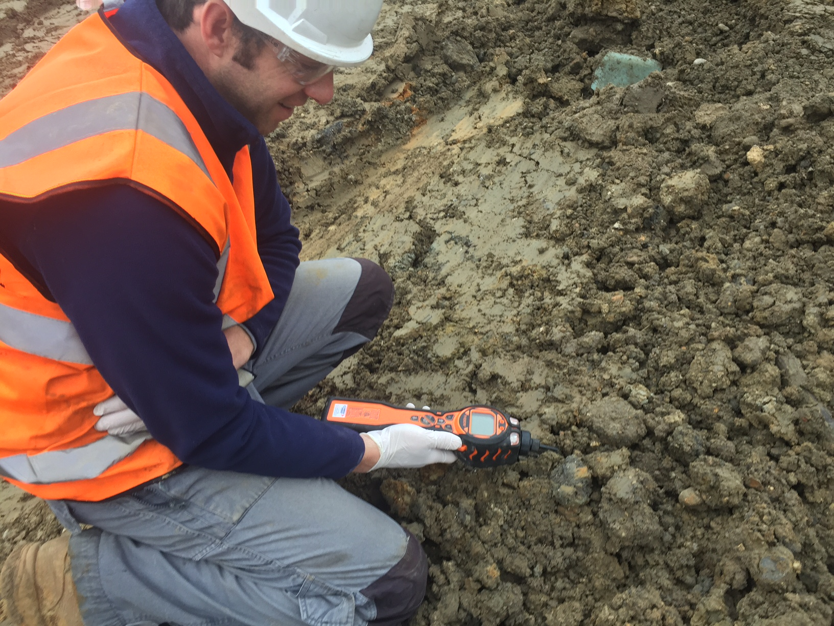 The MiniPID Photo-Ionisation-Detector can be used in land remediation