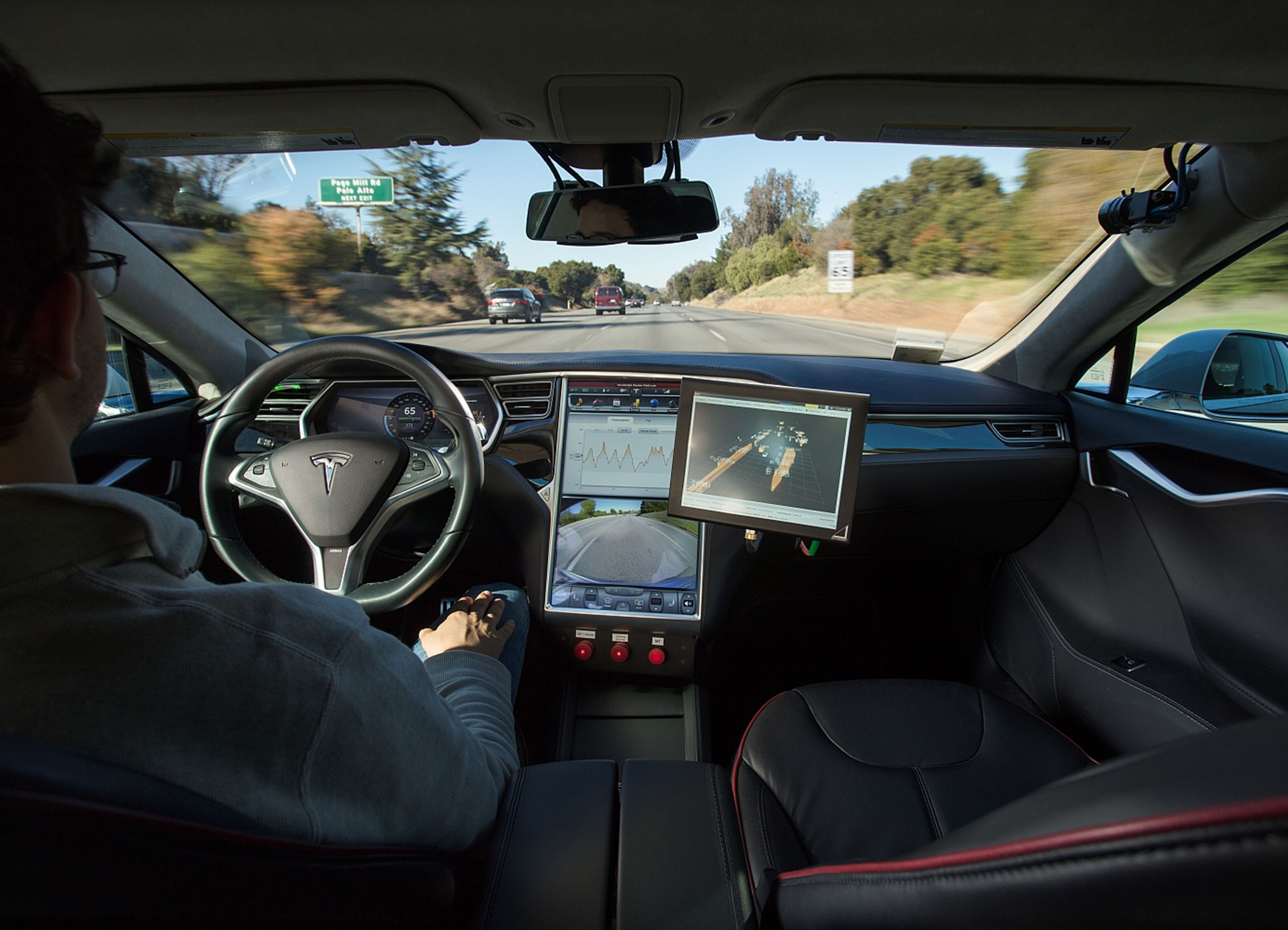 Bosch tests Tesla Model S on Japanese roads