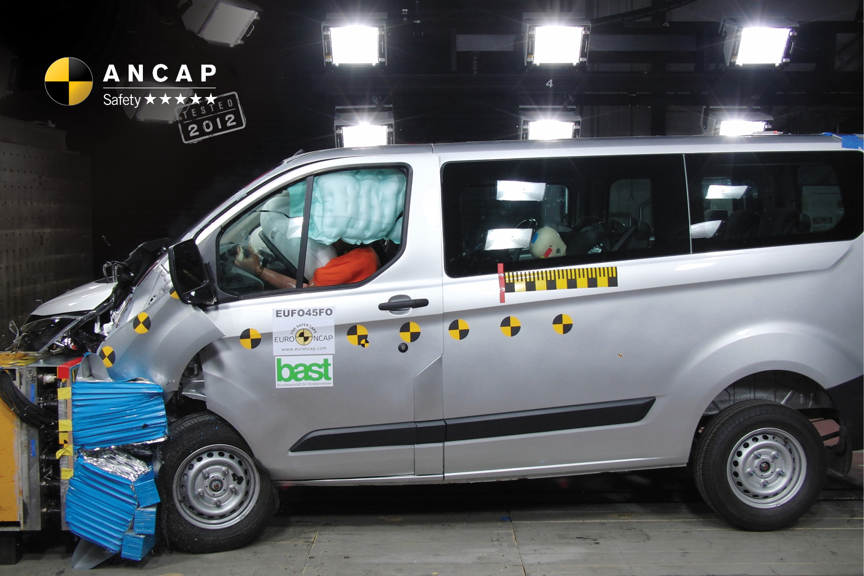 Ford Transit Custom frontal offset crash test