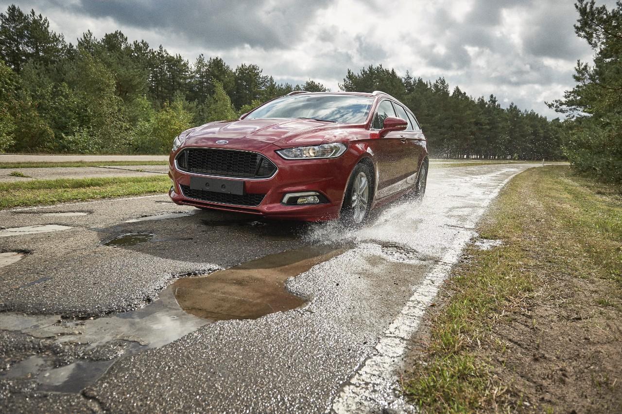 Ford pothole test track