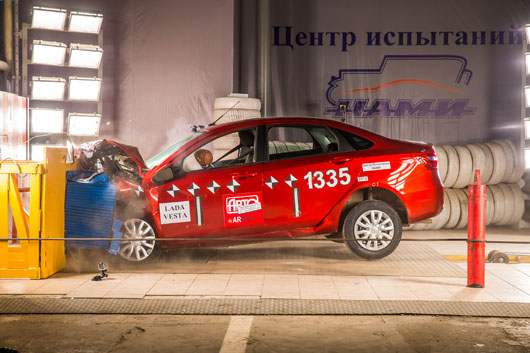 Lada Vesta crash test in Russia