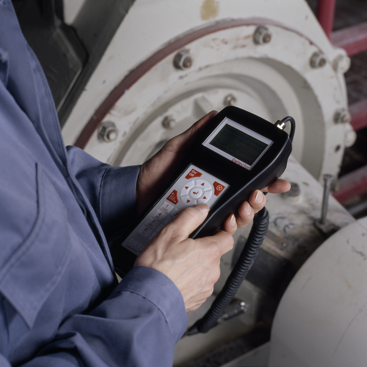 Portable FAG detector is easily connected to fixed position transducers