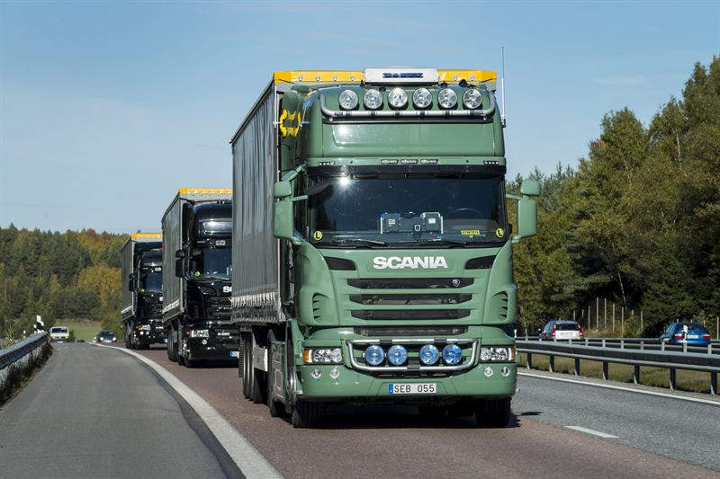 Scania pioneers cross border truck platooning