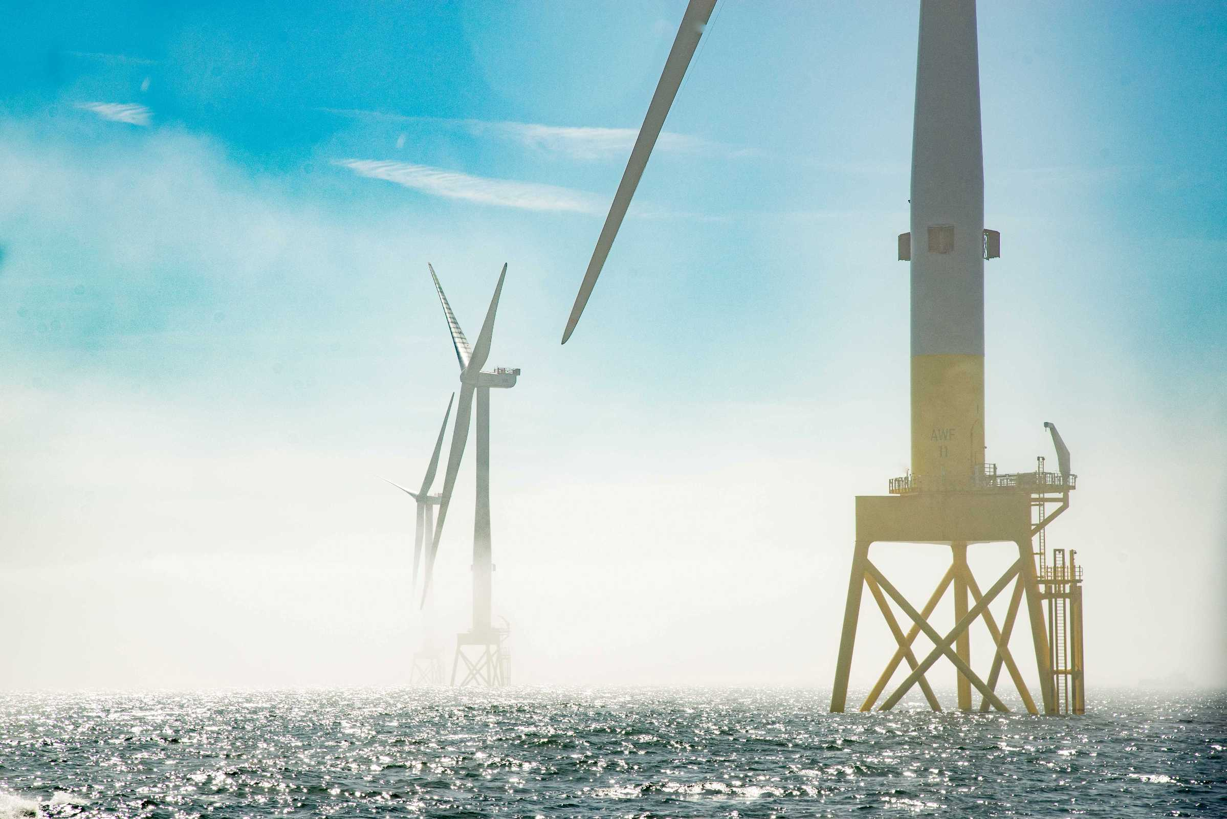 Vattenfall final turbine installation off Aberdeen bay