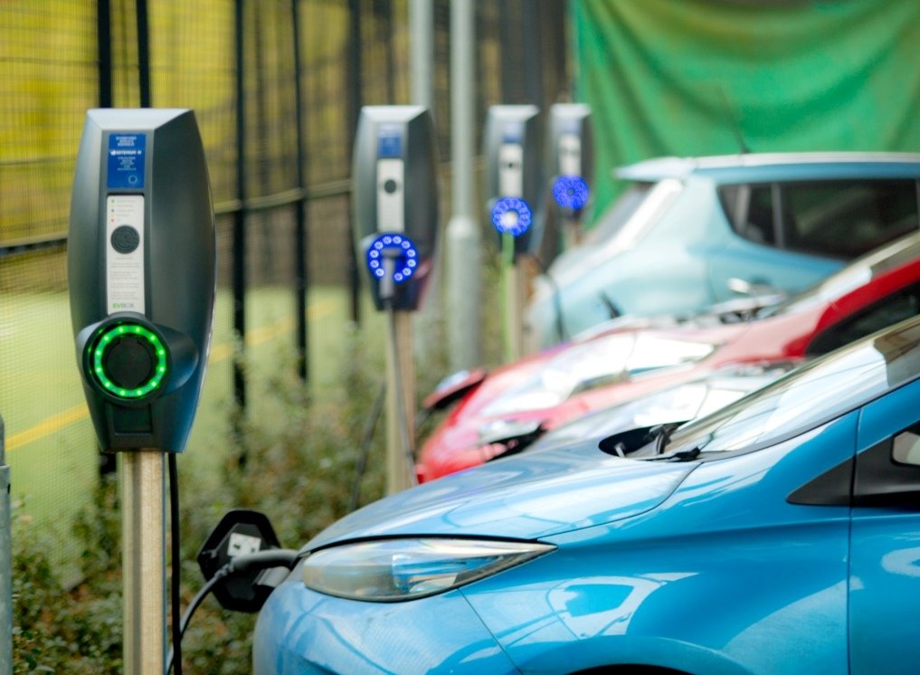 Billions of pounds need spending on UK charging infrastructure to meet the demand