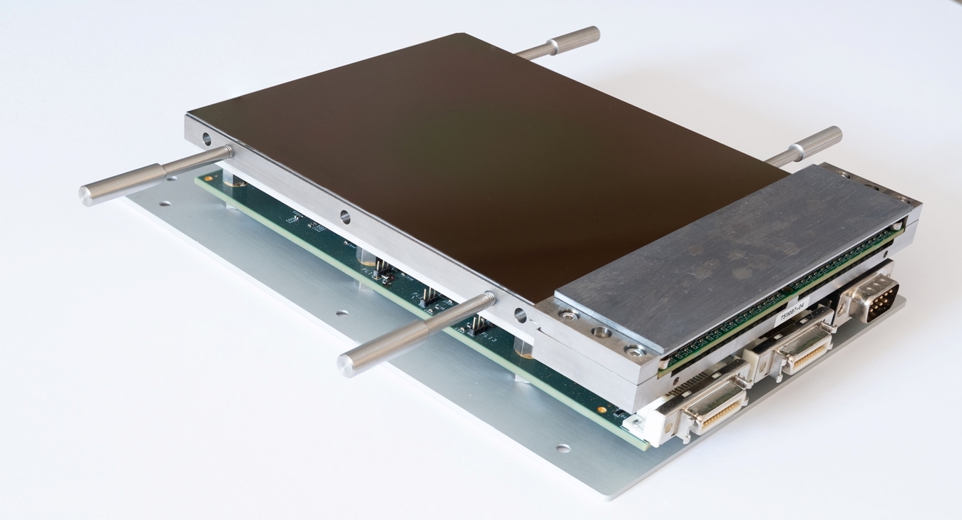 Image sensor for ultra-low noise optical astronomy