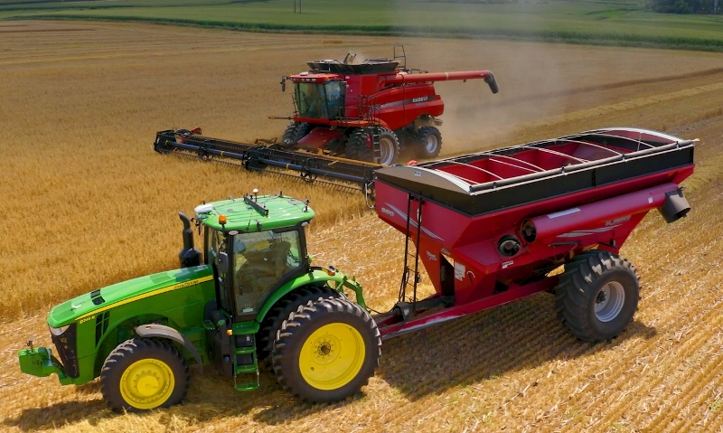 Autonomous Technology synchronises combined harvesters with grain trailers