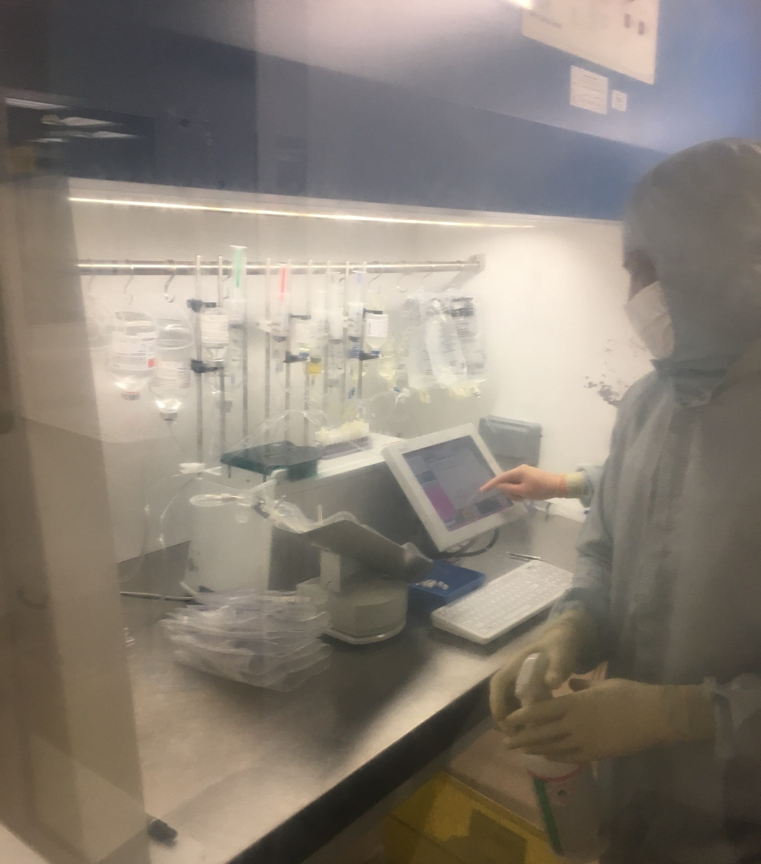 Aseptic compounding at the GOSH Pharmacy Unit