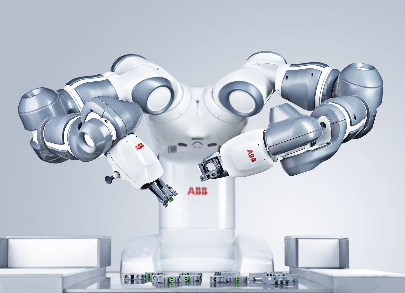 Connected Services Suite helps train users in robotics