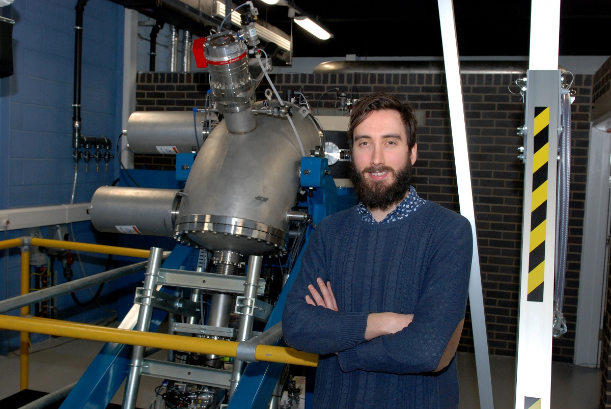 Electron Microscopy and Materials Analysis Researcher Dr Rob Harrison