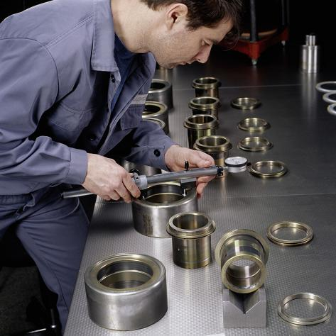 Inspecting reconditioned bearings