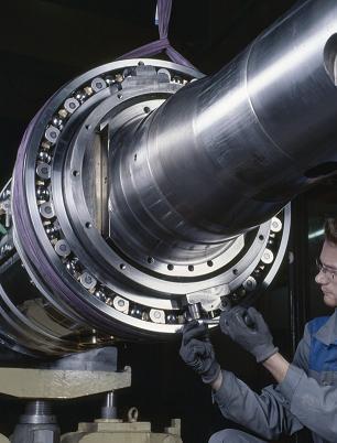 Roller bearing measurements