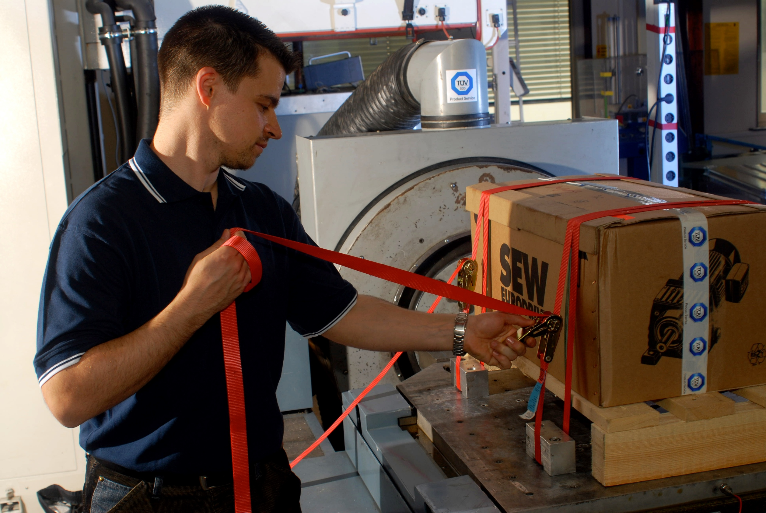 Vibration testing of packaging