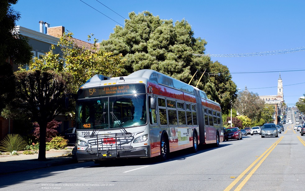 Xcelsior XT60 IMC electric bus on service in San Francisco