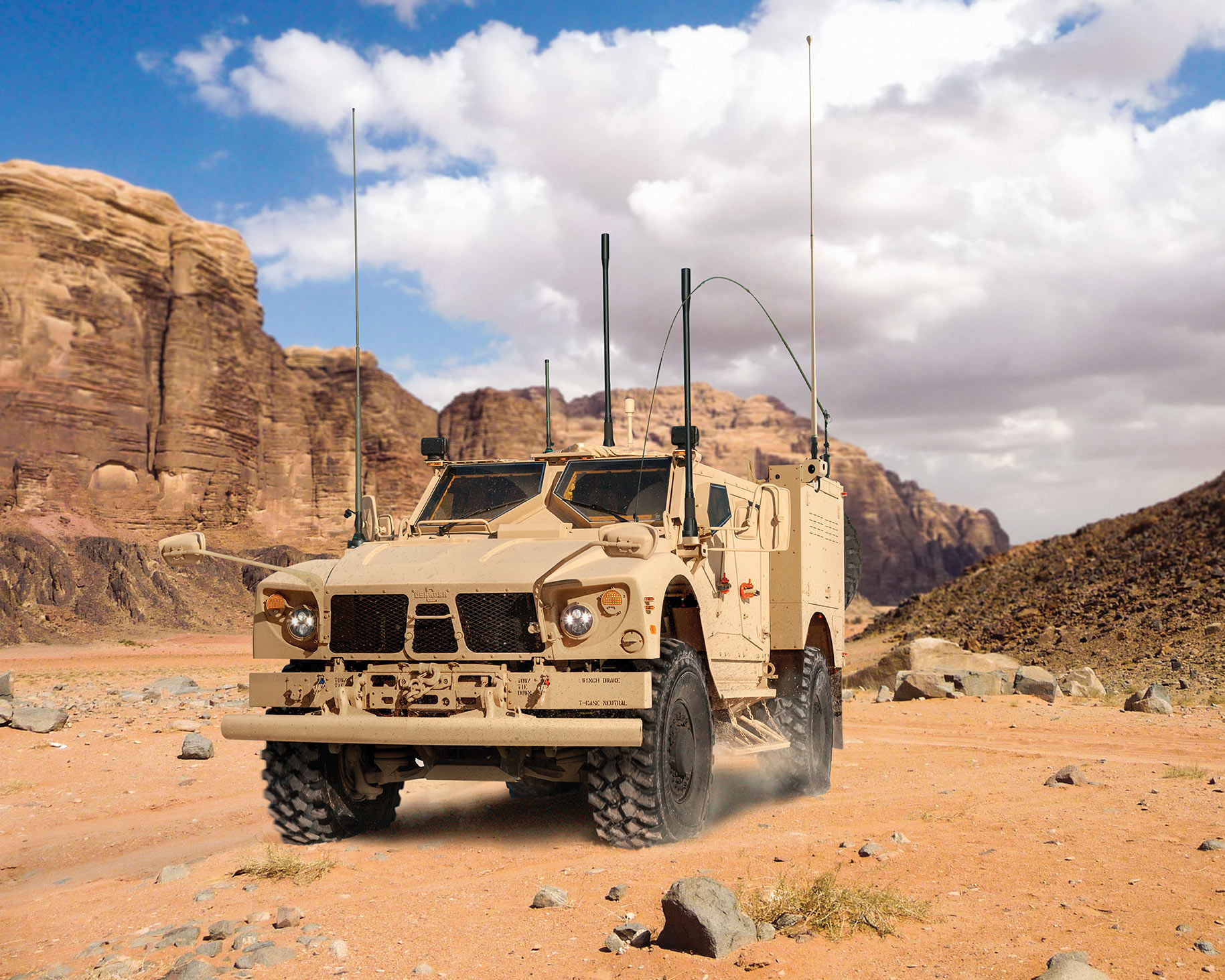Driver-assist safety systems for Oshkosh military vehicles on debut at AUSA